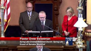 Sen. Meekhof welcomes Pastor Sweetman to deliver invocation to Michigan Senate