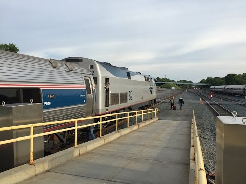 Amtrak HD 60 FPS: Maple Leaf Train 64 Engine Change @ Albany–Rensselaer (7/4/16)