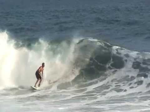 Surfing and fun waves Hilo Hawaii at the spots