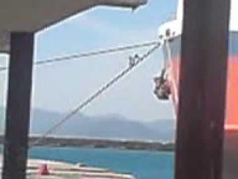 Stowaways ship climbing