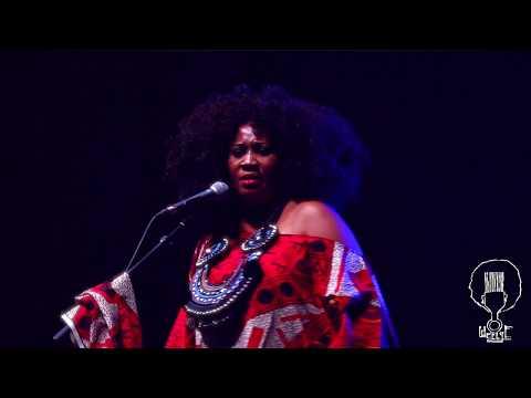 Erykah Badu Live WeeLye Opening Act « Nini « at Palais des Congrès Paris - Music
