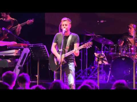 Oğuzhan Koç Bodrum'da konser verdi