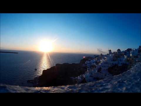 OIA Santorini sunset in 30 seconds