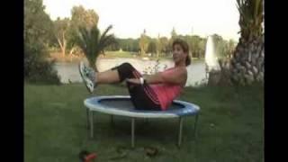 איך לחזק את הבטן על טרמפולינה