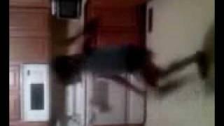 ERIANA DANCING TO DROP IT LOW.3gp