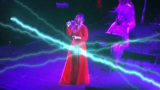Björk - All Neon Like (Vulnicura Live)