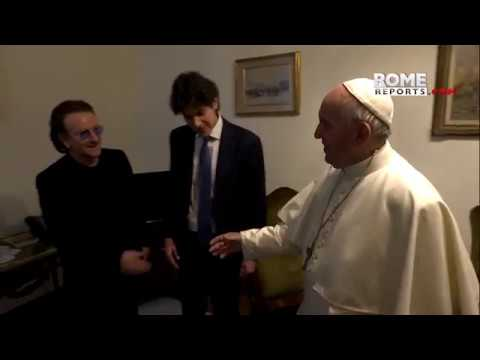 Bono with the pope: Some think that the Church is protecting the abusers more