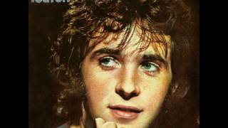 Watch David Essex Streetfight video