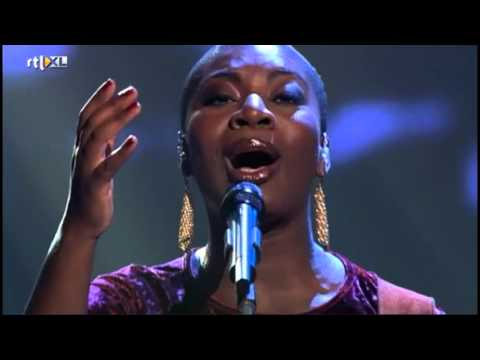 Maame Joses - Umbrella   Live Show 3   The Voice Of Holland
