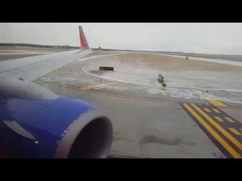 Cold Takeoff From Omaha on Southwest in 4K