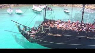 Лучшее видео Кипр пиратский корабль 2016(Лучшее видео Кипр пиратский корабль 2016. Экскурсии в лазурную бухту. Голубая лагуна на Кипре - водные развлеч..., 2015-10-17T15:05:27.000Z)