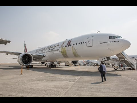 Emirates takes centre stage  at Dubai Airshow with deals and new launches
