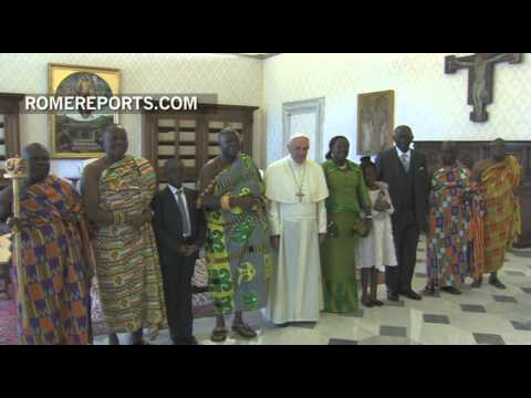 A colorful meeting between Pope Francis and Ghanaian royalty
