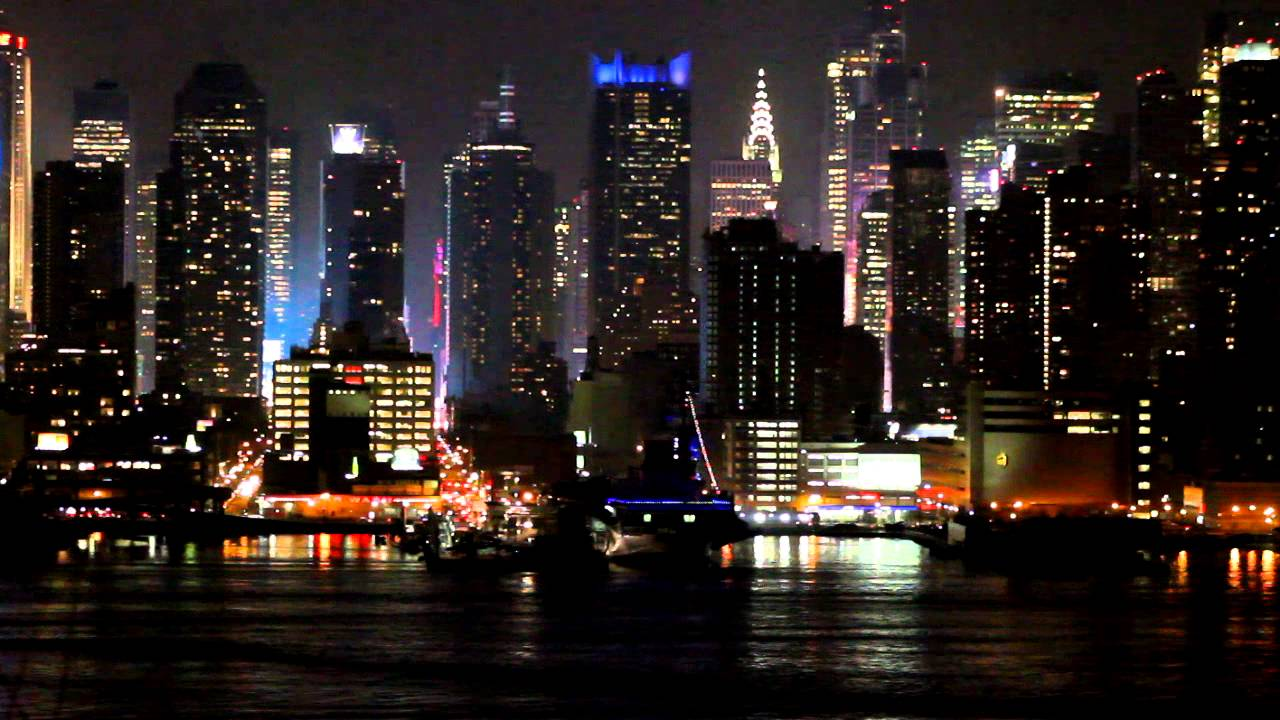 New York City In A Minute New York S Skyline At Night Youtube