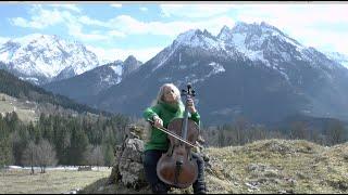 Grüße zu Ostern 2021! Greetings to everybody near and far! (Kerstin Feltz, Violoncello)