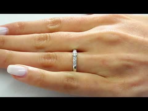 0.20 CT ROUND CUT DIAMOND ENGAGEMENT PROMISE RING