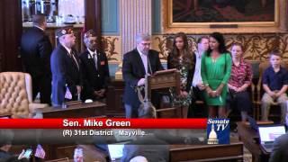 Sen. Green honors Larissa Hollingsworth at the Michigan Senate