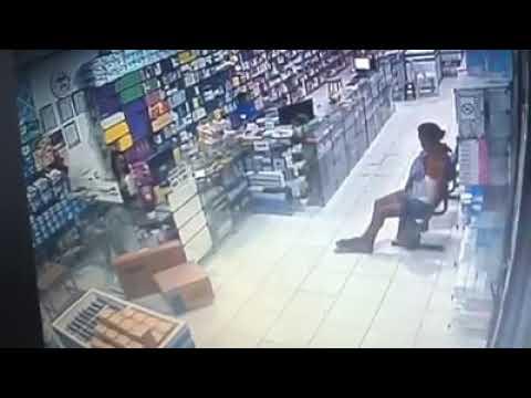 VÍDEO : Mulher é flagrada furtando Farmácia no Centro de Chapadinha