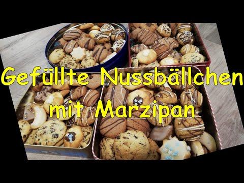 nussbällchen-weihnachten- -gefüllte-kekse-mit-marzipan- -plätzchen-selber-backen