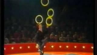 jongleur criselly paris cirque de demain 1992
