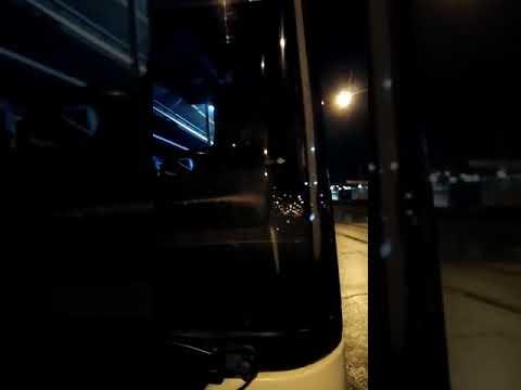 Автобус 1002 оставил людей ночью  на остановке.  Не первый раз.
