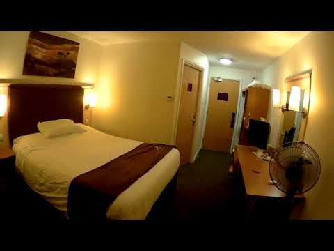 Hotel Room Reviews - Room 422 Premier Inn - Nottingham - UK