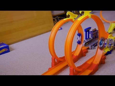 hot wheels cars double loop track with acceleracer jump. Black Bedroom Furniture Sets. Home Design Ideas