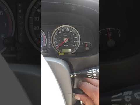 03 Isuzu Rodeo: Immobilizer Indicator Flashing