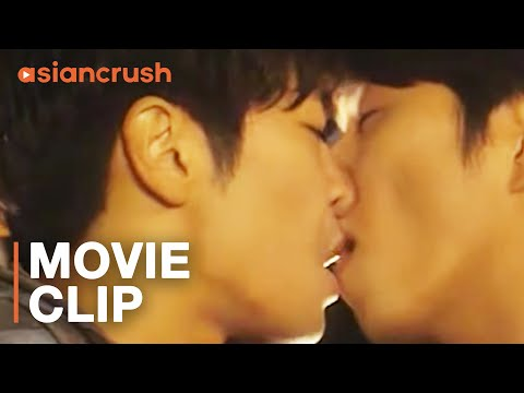 He's Hooking Up With His Crush! But There's One Problem... | Korean Drama | Two Weddings & A Funeral