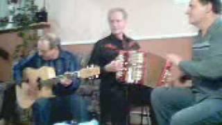 7 Jean -Yves à L'accordeon René la Guitare Bruno la cuillere