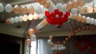 Оформление свадебного зала воздушными шарами.(http://www.omsk-prazdnik.narod.ru ЛЮБАЯ ФАНТАЗИЯ ИЗ ВОЗДУШНЫХ ШАРОВ..., 2010-04-24T07:12:36.000Z)