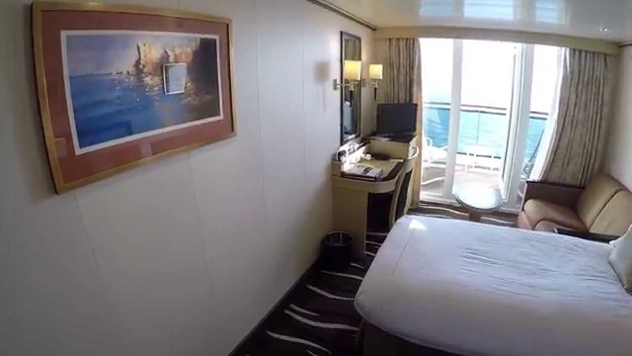 Queen mary 2 balcony cabin on deck 11 youtube for Sheltered balcony qm2