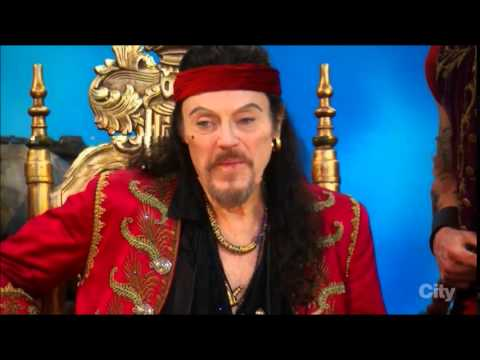 Christopher Walken forgets his line - Peter Pan Live