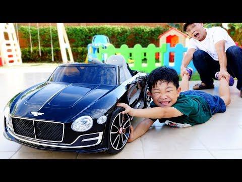 전동차 같이 타면 재미있어요! 예준이와 아빠의 벤틀리 자동차 장난감 조립놀이 숨바꼭질 Bentley Power Wheels Car Toy Video for Kids