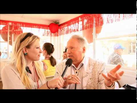 Rosie Maria interviews Buck Trent at Strawberry Festival