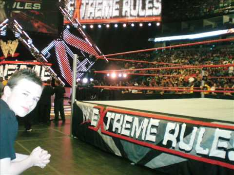 Pictures From WWE EXTREME RULES 2009 Front Row Seats