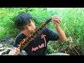 Berburu Dan Makan Yuyu Bakar (kepiting Air Tawar) Di Sungai.