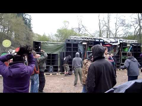sHoT dOwN thE wiTcH 2013 CaMp hAdiNkA part 2