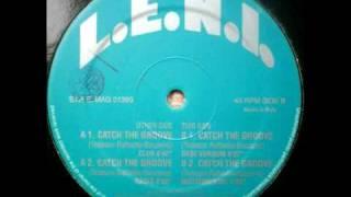 L.E.N.I. - Catch The Groove (Club Version)