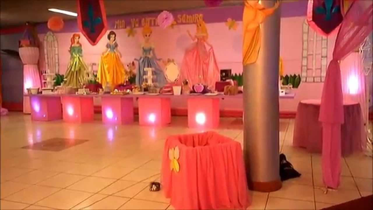 Decoracion fiesta infantil princesas casita blanca nieves for Decoracion de princesas