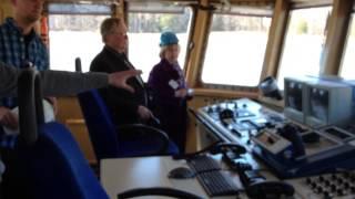 Судно-кабелеукладчик(На капитанском мостике ТЕЛЕПААТТИ. Видено все оборудование, задействованное процессе прокладки кабеля., 2013-05-07T11:46:58.000Z)