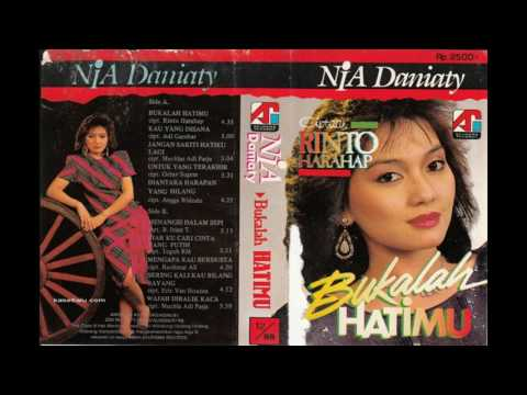 Nia Daniaty - Bukalah Hatimu