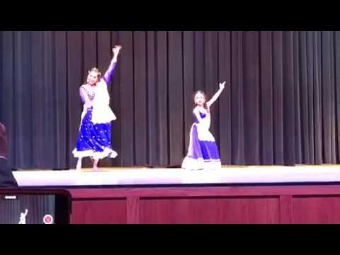 Mommy daughter indian dance