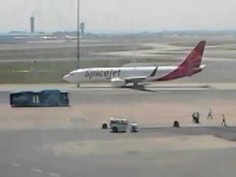 Spicejet Flight Delhi airport