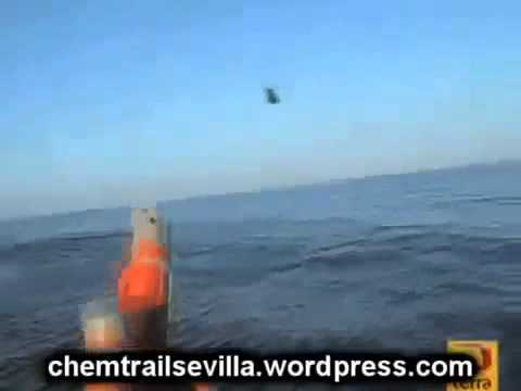 RAW UFO FOOTAGE NEAR SPAIN CLOSE UP DIVES UNDERWATER!