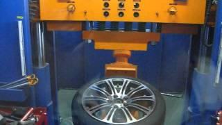 WSP Italy W670 M3 LUXOR BMW Испытание на удар(Испытание на удар колесного диска WSP Italy, модель W670 LUXOR M3. Собственная сертифицированная лаборатория компани..., 2013-03-28T13:21:47.000Z)