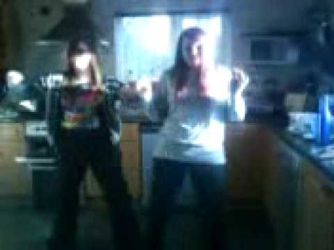 lu and em dancin to shake it at hazels may09