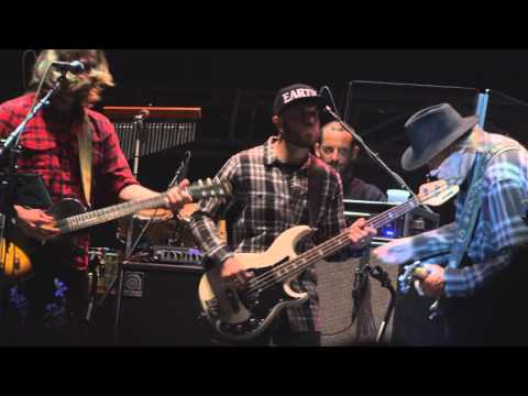 36 minute DOWN BY THE RIVER Neil Young + promise of the real 4 29 16 memphis