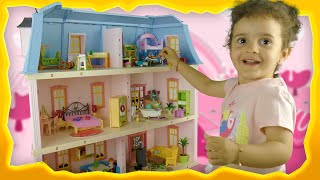 Baby Girl Playing With Romantic Dollhouse From Playmobil - Sara Toys Review