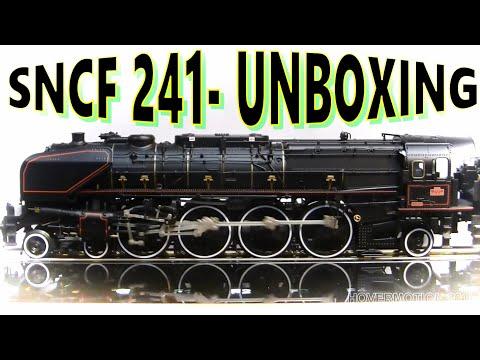 TRIX22941 MARKLIN 39241 SNCF CLASS 241 A UNBOXING